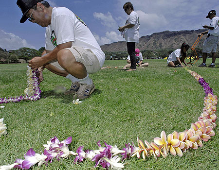 World's Longest Fresh Flower Lei - AP Photo