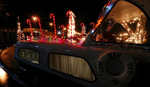 Pearl Harbor Holiday Lights Tours (Flickr ©US Navy)